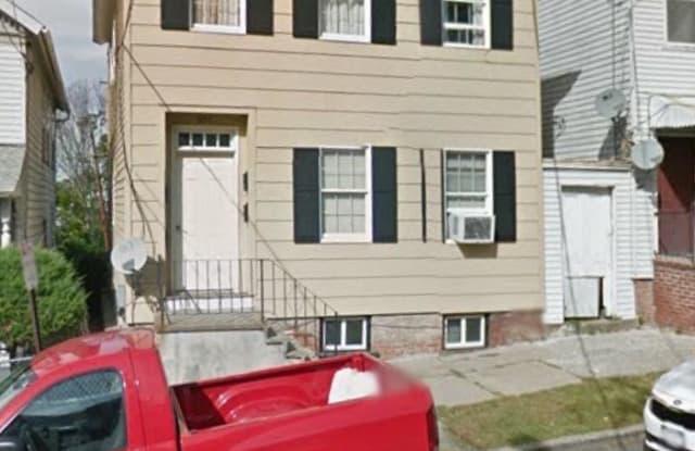 852 columbia - 852 Columbia Street, Hudson, NY 12534