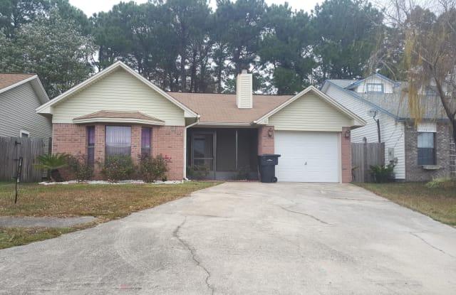 65 NW OLDE CYPRESS Circle - 65 Olde Cypress Cir NW, Fort Walton Beach, FL 32548