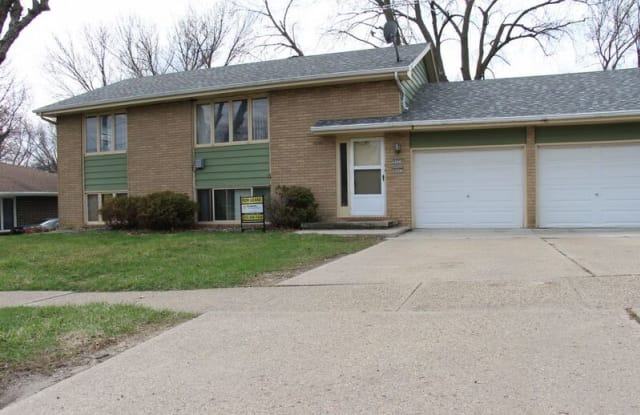 4924 SW 14th St - 4924 Southwest 14th Street, Des Moines, IA 50315