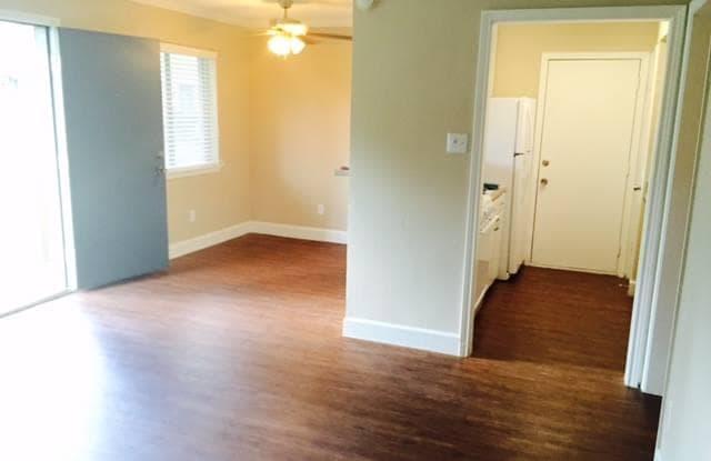 Donovan Village Apartments - 601 W Donovan St, Houston, TX 77091