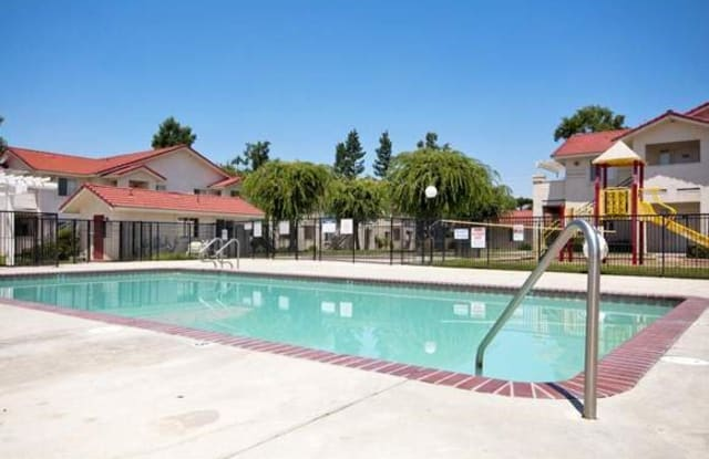 Income Restricted - Salandini Villa - 13785 E Manning Ave, Parlier, CA 93648