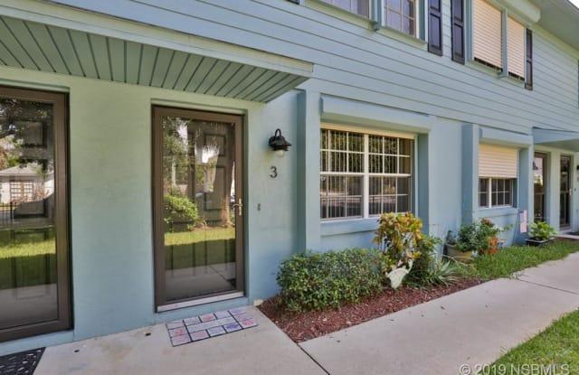 101 N Pine Avenue - 101 North Pine Street, New Smyrna Beach, FL 32169