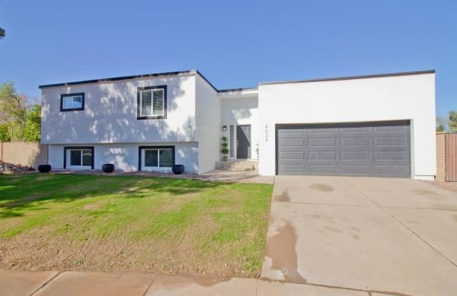 8626 E WHITTON Avenue - 8626 East Whitton Avenue, Scottsdale, AZ 85251