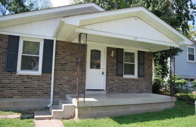 819 Penn Street - 819 Penn Street, Jeffersonville, IN 47130