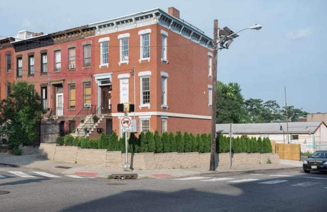 2 PARK ST - 2 Park Street, Jersey City, NJ 07304