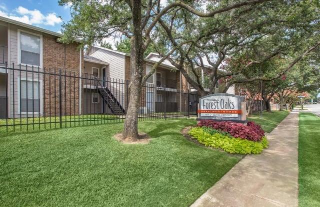 Westmount at Forest Oaks - 2408 Forest Oaks Ln, Arlington, TX 76006