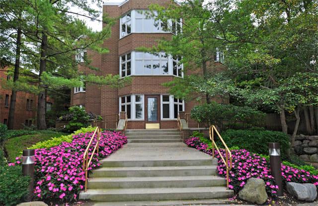 85 East Laurel Avenue - 85 East Laurel Avenue, Lake Forest, IL 60045