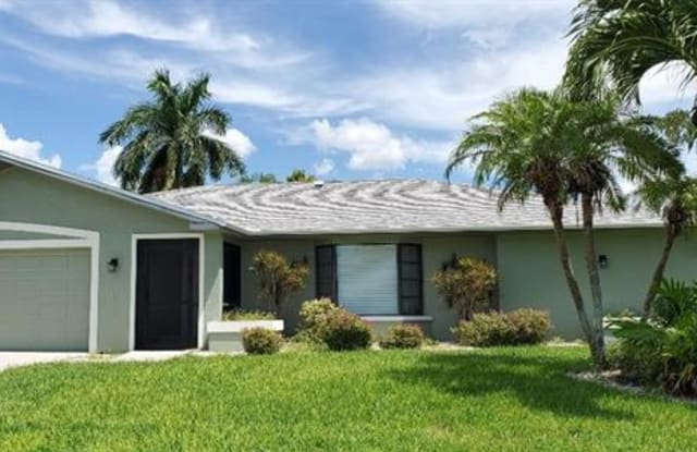 4627 SW 2nd AVE - 4627 Southwest 2nd Avenue, Cape Coral, FL 33914