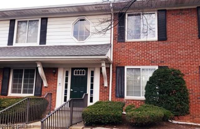 2449 MULBERRY SQ APT 31 - 2449 Mulberry Square, Oakland County, MI 48302