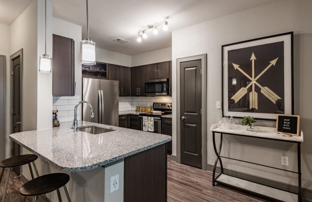 Cortland Luxe Shadow Creek Pearland Tx Apartments For Rent