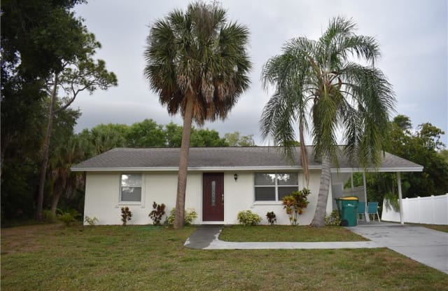 705 PHYLLIS STREET - 705 Phyllis Street Northwest, Port Charlotte, FL 33948