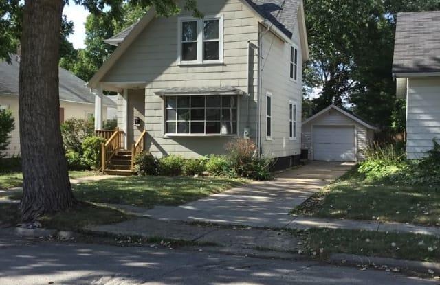 1331 Yonge - 1331 Yonge Street, Rockford, IL 61103