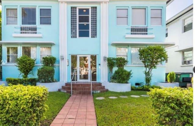 1555 Pennsylvania Ave - 1555 Pennsylvania Avenue, Miami Beach, FL 33139