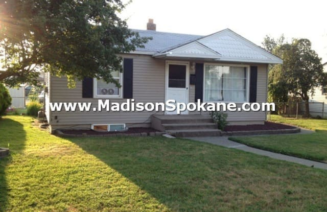 5516 N. Oak St. - 5516 North Oak Street, Spokane, WA 99205