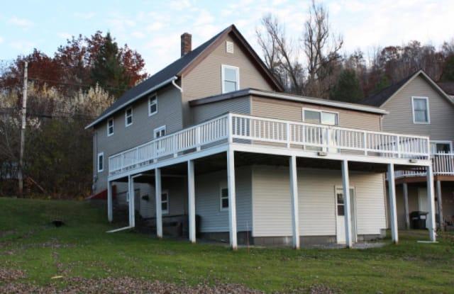 312 Glen Road - 312 Glen Road, Newport, VT 05855