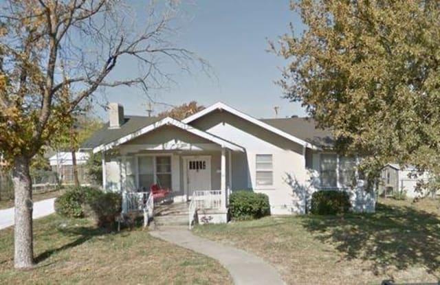 826 En 15th Street - 826 en 15th St, Abilene, TX 79601