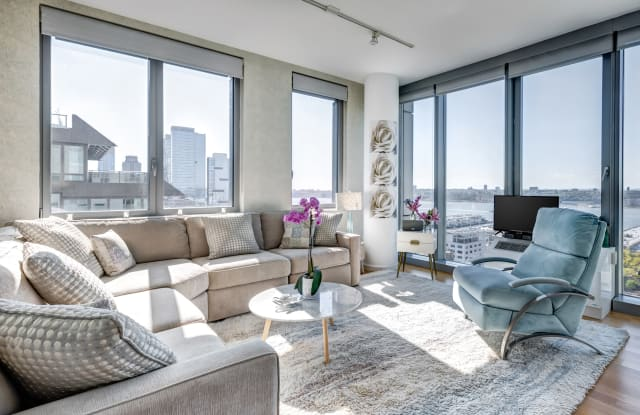 Instrata at Mercedes House - New York, NY apartments for rent