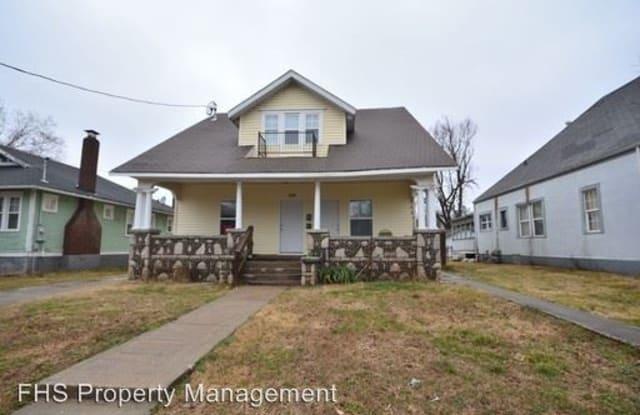 829 W Pershing - C - 829 West Pershing Street, Springfield, MO 65806