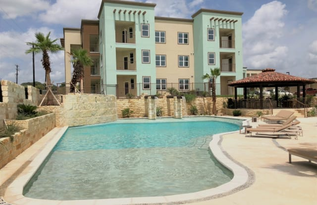 Valencia Lofts - 6007 Grissom Rd, San Antonio, TX 78238