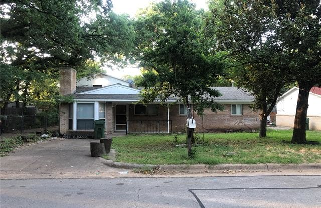 1811 Dogwood - 1811 Dogwood Drive, Arlington, TX 76012
