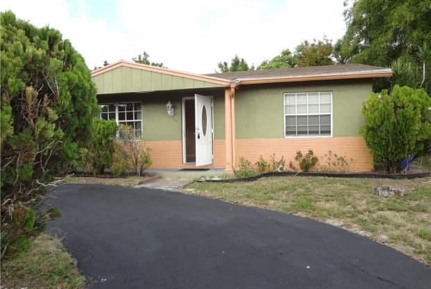 400 SW 77th Ave - 400 Southwest 77th Avenue, North Lauderdale, FL 33068