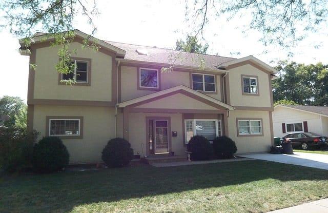623 Willow Lane - 623 Willow Lane, Elk Grove Village, IL 60007
