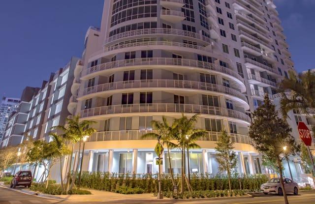 Amaray Las Olas - 215 SE 8th Ave, Fort Lauderdale, FL 33301
