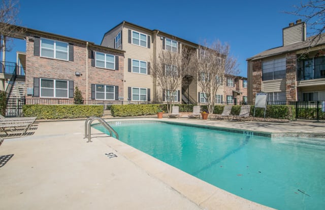 Hunter's Court - 8550 Spring Valley Rd, Dallas, TX 75240