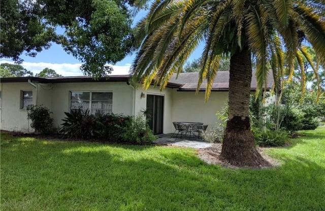 6209 GREEN VIEW DRIVE - 6209 Green View Cir, Gulf Gate Estates, FL 34231