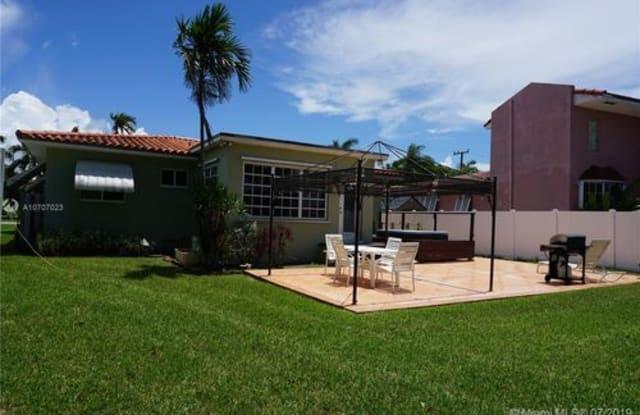 931 Bluebird Avenue - 931 Bluebird Avenue, Miami Springs, FL 33166