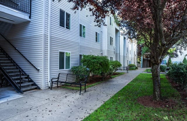 Silver Bells Apartment - 12933 Southeast Foster Road, Portland, OR 97236