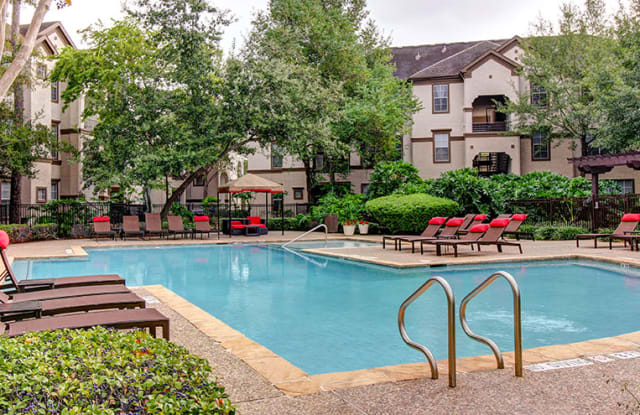 Stone Creek at Old Farm - 8585 Woodway Dr, Houston, TX 77063