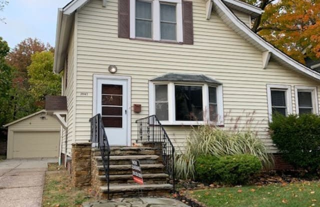 3947 Ardmore Rd - 3947 Ardmore Road, Cleveland Heights, OH 44121