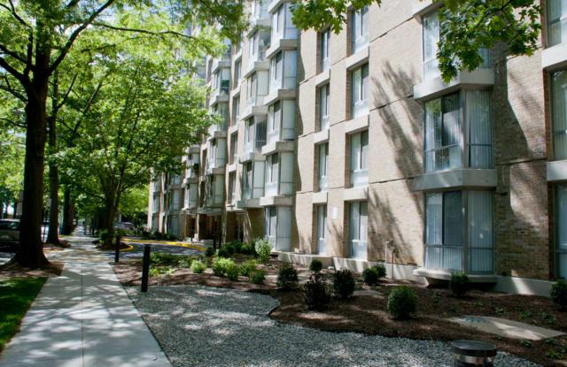 Channel Square Apartments - 325 P St SW, Washington, DC 20024