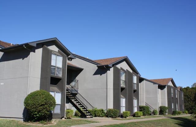 Oaks Branch Apartment Homes - 1004 Castleglen Dr, Garland, TX 75043