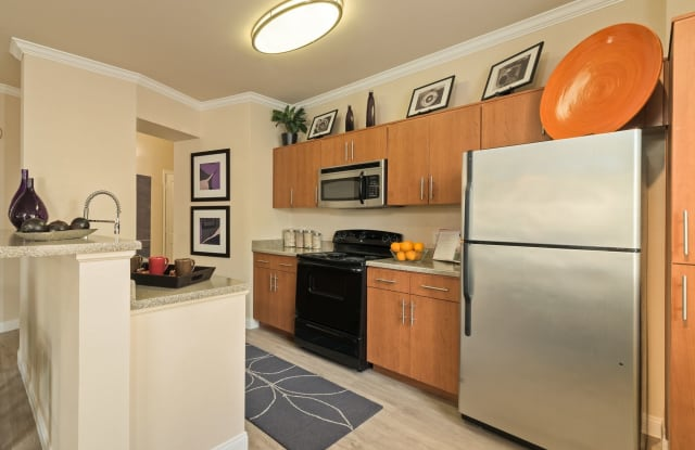 Avanti Apartments - 10697 W Centennial Pkwy, Las Vegas, NV 89166