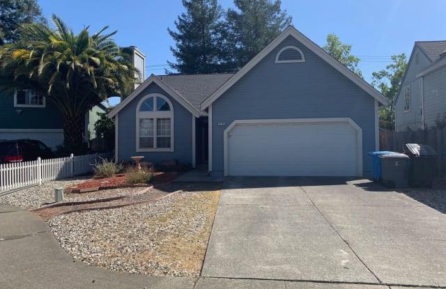 2136 Pebblewood Ct - 2136 Pebblewood Court, Santa Rosa, CA 95403