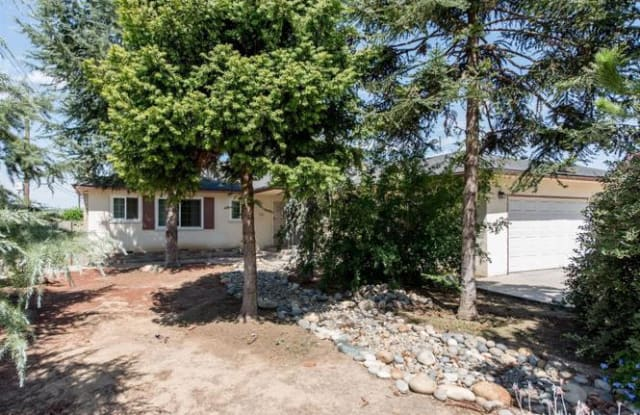 4611 N Orchard St - 4611 North Orchard Street, Fresno, CA 93726