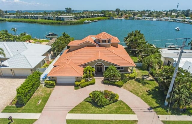 529 KEY ROYALE DRIVE - 529 Key Royale Drive, Holmes Beach, FL 34217