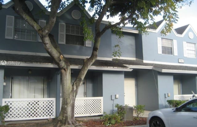 17425 NW 67th Pl - 17425 Northwest 67th Place, Country Club, FL 33015