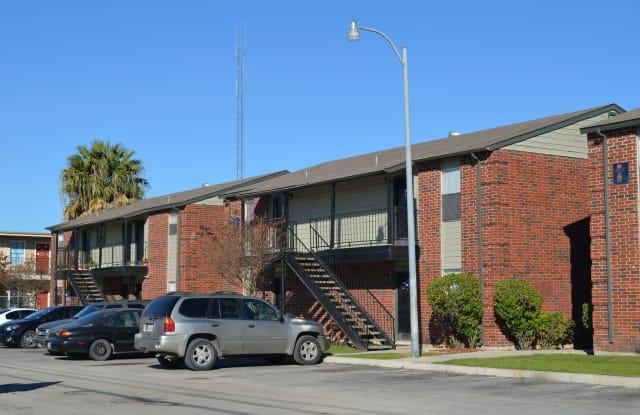 Hutchins Palms - 535 West Hutchins Place, San Antonio, TX 78221