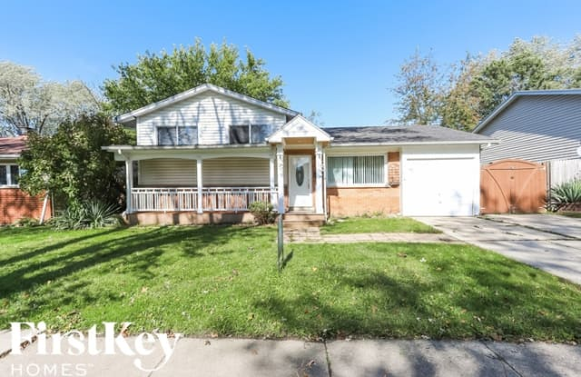 122 East Lincoln Avenue - 122 Lincoln Avenue, Glendale Heights, IL 60139
