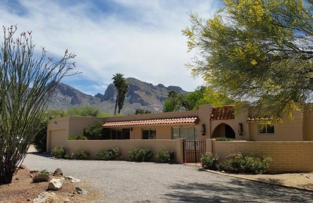525 W Orango Place - 525 West Orango Place, Oro Valley, AZ 85737