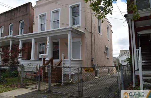 82 Warren Street - 82 Warren Street, Carteret, NJ 07008