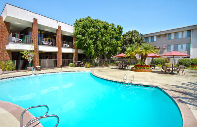 Park Regency Club Apartments - 10000 Imperial Hwy, Downey, CA 90242