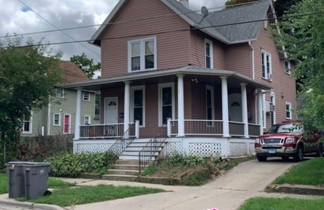 475 Laurel St - 475 Laurel Street, Elgin, IL 60120