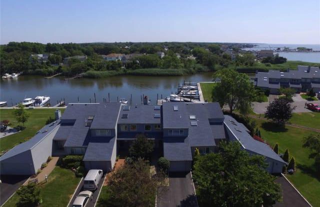 31 Harbour Dr - 31 Harbour Drive, Blue Point, NY 11715