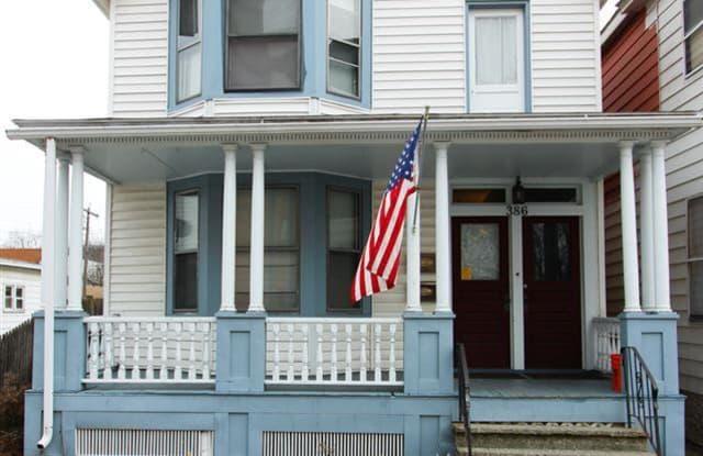 386 3RD AV - 386 3rd Avenue, Troy, NY 12182