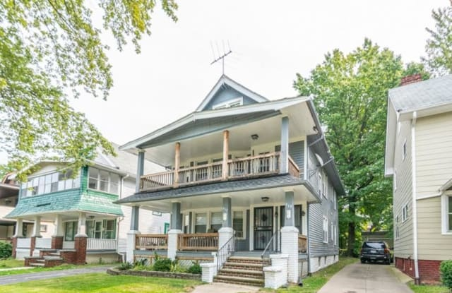 919 Helmsdale Rd - 919 Helmsdale Rd, Cleveland Heights, OH 44112
