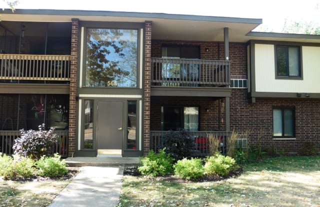 568 Somerset Lane - 568 Somerset Lane, Crystal Lake, IL 60014